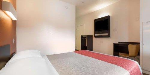 Забронировать Motel 6 Orlando - International Drive