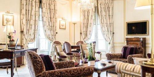 Забронировать Hôtel du Palais