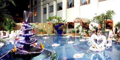Забронировать Hotel Grand Tiga Mustika