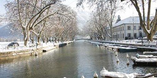 Забронировать Les Tresoms Lake and Spa Resort