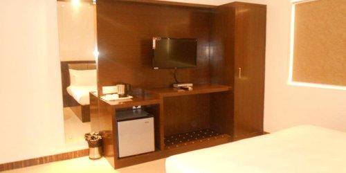 Забронировать Hotel Karan Vilas