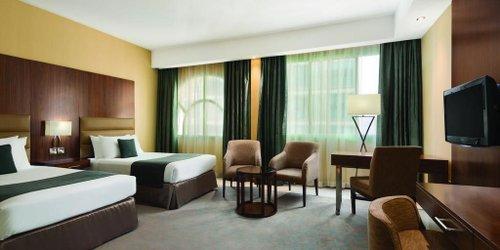 Забронировать Howard Johnson Diplomat Hotel