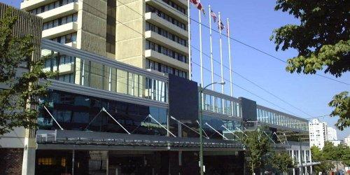 Забронировать The Empire Landmark Hotel