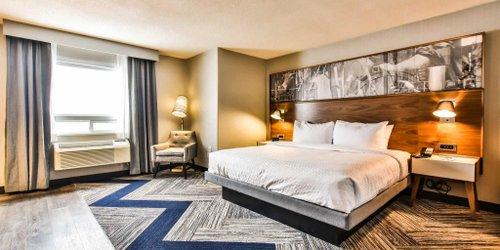 Забронировать Quality Hotel & Suites Toronto Airport East