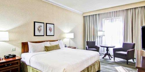 Забронировать Delta Toronto East