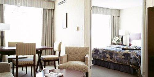 Забронировать Quality Suites Toronto Airport Hotel