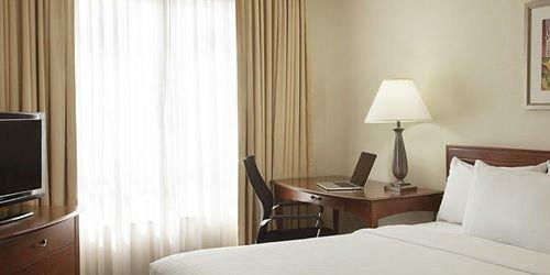 Забронировать Residence Inn by Marriott Toronto Airport