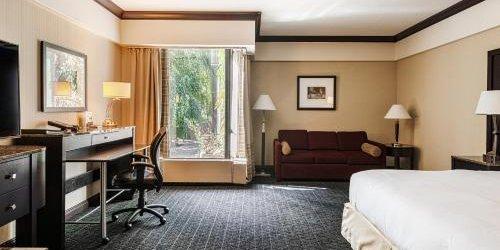 Забронировать Hilton Montreal Bonaventure