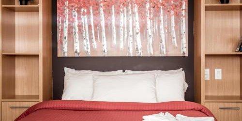 Забронировать Auberge & Hotel Montreal Espace Confort
