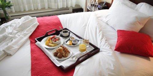 Забронировать Le Saint-Sulpice Hotel Montreal
