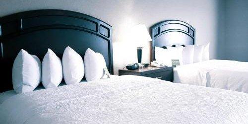 Забронировать Hampton Inn & Suites by Hilton Edmonton International Airport