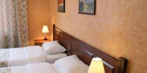 Забронировать La Mezon Hotel