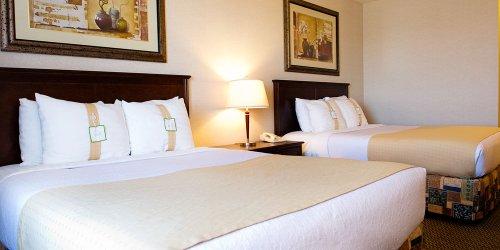 Забронировать Holiday Inn Hotel & Suites-West Edmonton