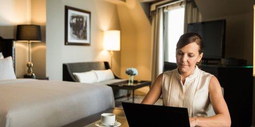 Забронировать The Fairmont Hotel Macdonald