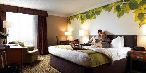 Забронировать Varscona Hotel on Whyte