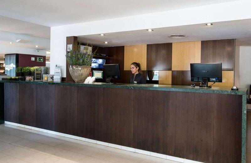Отель Каталония Атенас