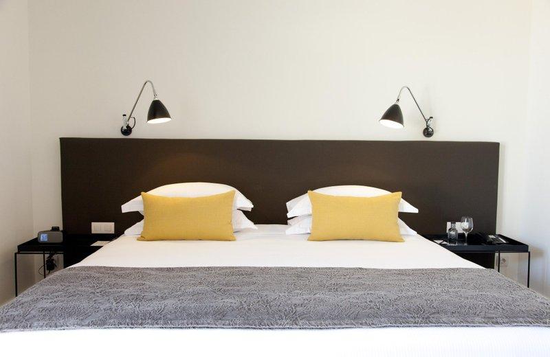 Отель Александра Барселона Дабл Три Хилтон