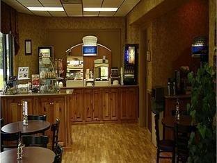 фото Holiday Inn Express Moncks Corner Hotel 1072425321