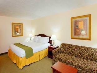 фото Holiday Inn Express Huntsville University Drive 1073346574
