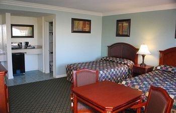 фото Friendly Hills Inn 1076655410