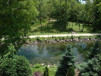 фото Mill Creek Hotel 1087556701