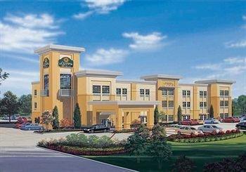 фото La Quinta Inn & Suites Rochester 1087573220