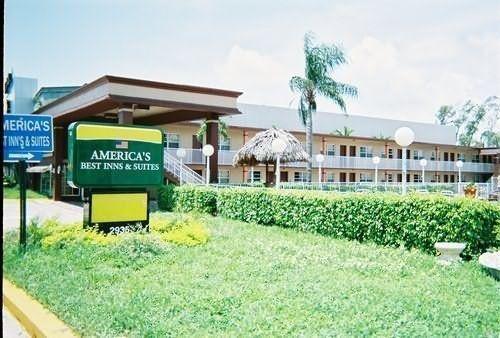 фото America`s Best Inn & Suites Fort Lauderdale North 110037730
