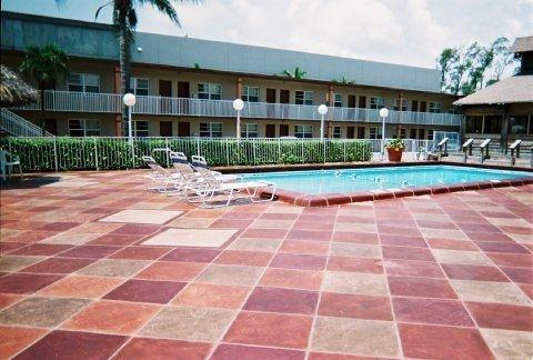 фото America`s Best Inn & Suites Fort Lauderdale North 110037731