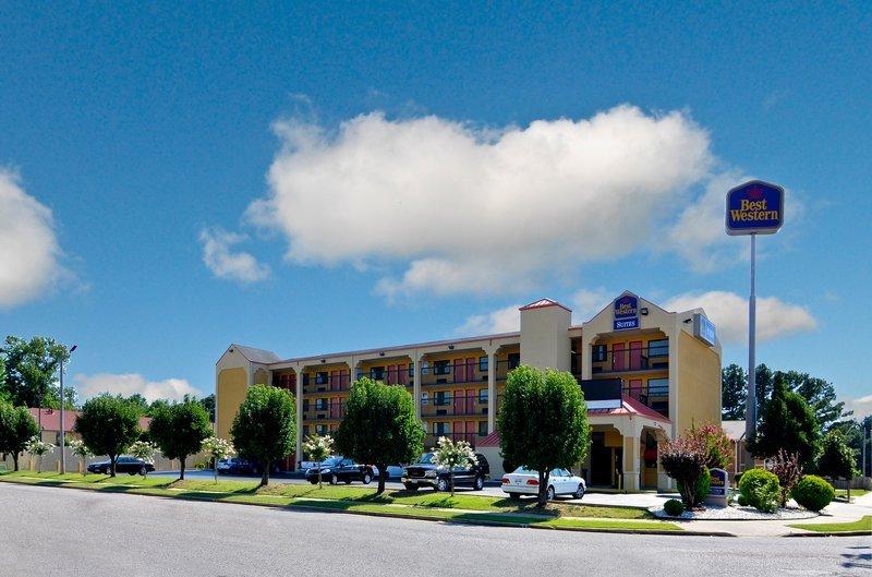 фото Econo Lodge Inn & Suites 110294745