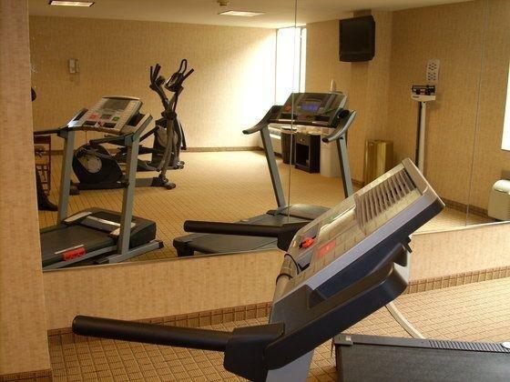 фото La Quinta Inn & Suites Pittsburgh North 110440647