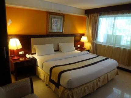 фото The Golden Ville Boutique Hotel 111848117