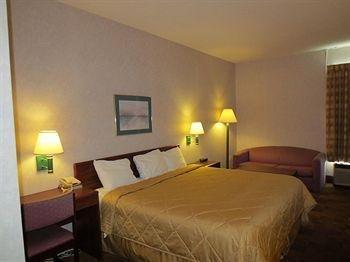фото Americas Best Value Inn & Suites 1206889455