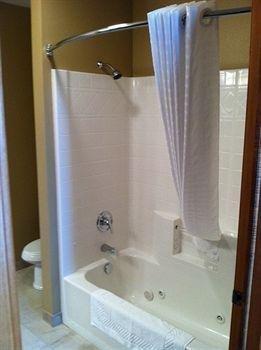 фото Boulders Inn & Suites 1206894449