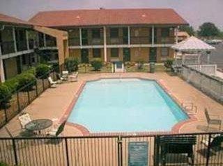 фото Econo Lodge Inn & Suites Horn Lake 1207783929