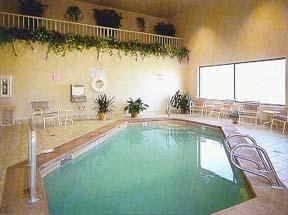 фото Comfort Inn Grand Avenue 1207988603