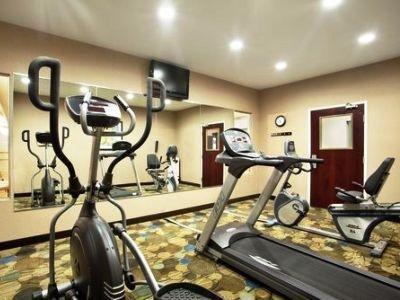 фото Holiday Inn Exp Le Roy Bloomington Area 1207996417