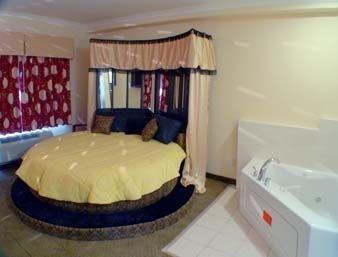 фото Knights Inn & Suites Bakersfield 1208019415