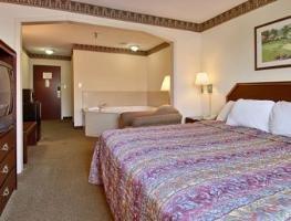 фото Days Inn and Suites Huntsville 1208040287