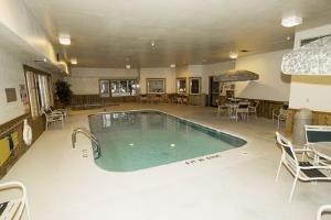 фото Best Western Fostoria Inn & Suites 1208125406