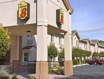 фото Super 8 San Jose 1208250868