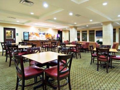 фото Holiday Inn Exp Medford Central Point 1208350309