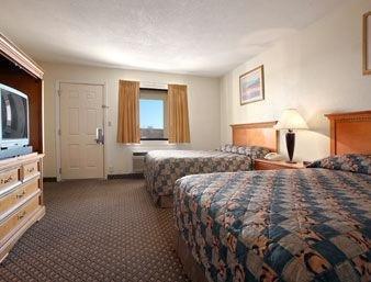фото Knights Inn Oklahoma City Remington Park 1208434883