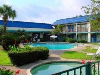 фото Continental Inn 1208611930