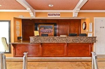 фото Courtyard Inn 1208740699