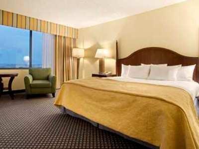 фото Hilton East Brunswick Exec Meeting Ctr 1208757541