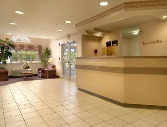 фото Howard Johnson Inn And Suites-Ashland 1208830857