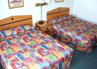фото Econo Lodge Newton 1208970061