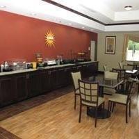 фото La Quinta Inn & Suites Ennis 1208987616