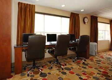 фото Comfort Suites Brunswick 1209420863