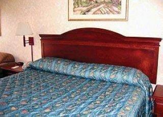 фото Econo Lodge Oxmoor 1209455992